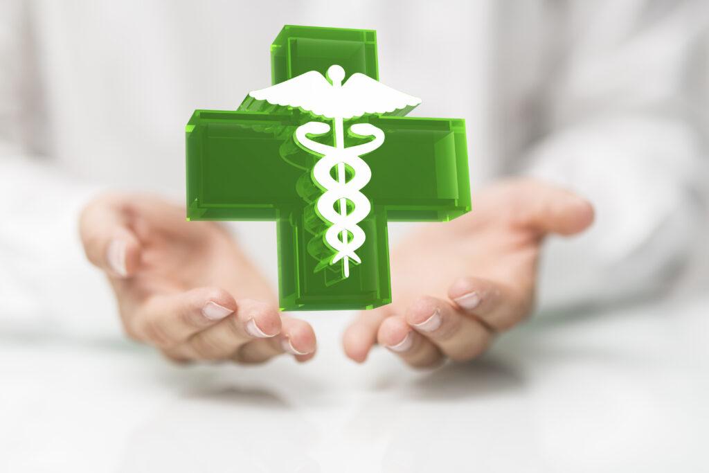 La cruz verde de las farmacias, un símbolo de inspiración suiza
